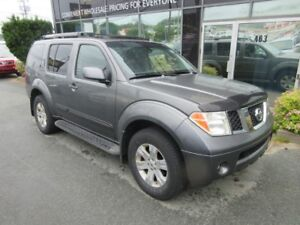 2007 Nissan Pathfinder LE 4X4 WITH LEATHER