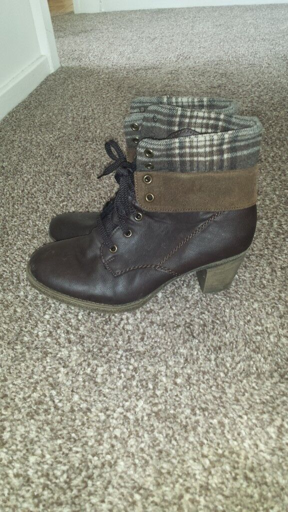 Womens boots size 7in Chaddesden, DerbyshireGumtree - Womens leather boots. Brown heel. Lase up. Top can be up or folded down. Worn twice so good condition. Cost £65 except 15