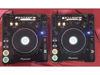 2x Pioneer cdj 1000 mk3 boxed, cards, wall mounts, dust covers