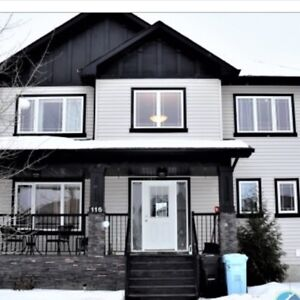3 Bedroom, 2.5 Bathroom Main Level Home for Rent