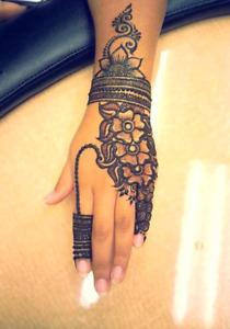 Henna specialist