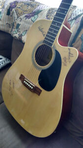 WANT TO TRADE XBOX 360 FOR ACOUSTIC GUITAR