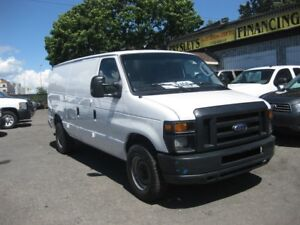 2011 Ford E-250 Econoline Cargo Van A/C 8-cyl. partition & shelv