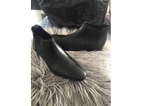 Men's Chelsea style boots size 8NEW!!!!