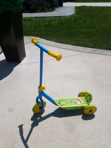 Kids 3 Wheeled Scooter