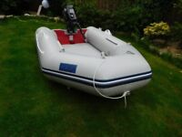 INFLATABLE DINGY WITH 6 HP MOTOR