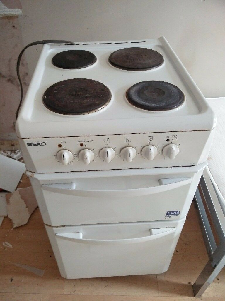 Electric cookerin Redbridge, LondonGumtree - Electric cooker for sale in good condition and fully working .having a clear out collection only can not deliver