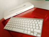 Apple Keyboard Wireless Fantastic Condition Comes with Box