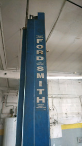 Lift Automobile - Ford Smith - Car Lift