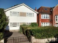 Lovely, spacious Double Room - 100 metres from Bournemouth sea front