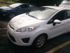 2012 Ford Fiesta SE Sedan loaded