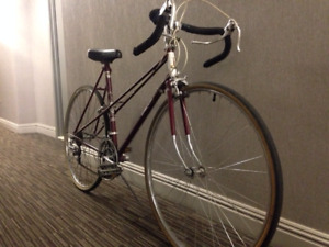 Raleigh womens 10 speed road bike