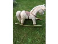 Free - Rocking horse - broken front runner