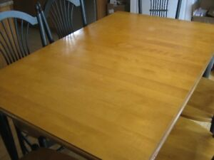 Table et chaises en bois-Wood dining room table and chairs