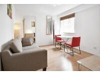 1 bedroom flat in Telegraph Place, Canary Wharf, E14