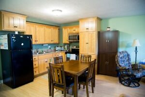 lovely appartment  with walk in closet available oct 1st!!