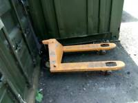 Pallet truck for sale
