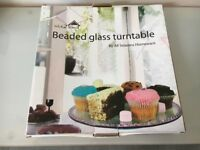 Glass turntable cake stand