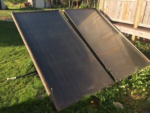 Two 4 x 8 solar hotwater panels