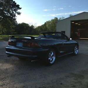1997 Ford Mustang GT V8 Convertible 5 speed