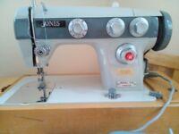 SEWING MACHINE JONES 556