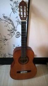 3/4 Size guitar. Learner starter