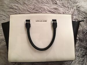 Michael Kors Large Selma handbag
