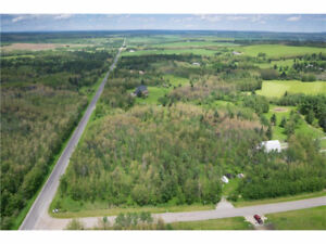 4.16 acres of BEAUTIFUL LAND located 10 mins to Calgary limits!