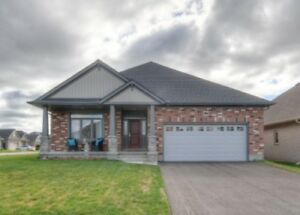 Lovely Custom Built Bungalow in Tillsonburg On.