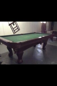 7.5ft Pool table (wood NOT SLATE) accessory Package