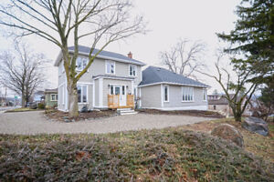 Beautiful 4 Bedroom House For Sale in Cambridge!