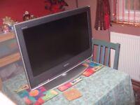 """Sony BRAVIA Digital LCD Television - KDL-26S2010 model - 26"""" Screen"""