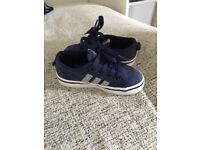 Young Boys Size 6 Blue Adidas Nizza Low Trainers