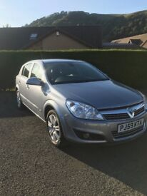 Vauxhall Astra 1.6i 16v Design 5dr. Excellent condition inside and out