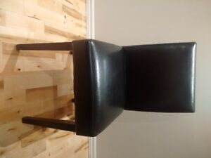 chaises en cuir 4 leather chairs