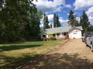 Clear Lake Lakefront Cottage, 289 Wasagaming Drive