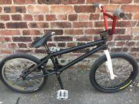 Mutiny Captain Wade Custom BMX (Mid School BMX Bike)