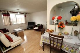 Beautiful Large 2 Bedroom Flat available to rent from 24.07.2017 - for £850.00 Per Month