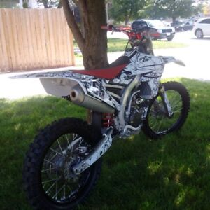 6.5 hours like or better than new YZ450f   $$ 5700 cash