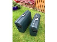 2 matching Samsonite Suitcases. Colour dark green. Very strong, sturdy hard cases. Bargain.