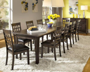 SOLID WOOD 3 LEAF TABLE & 4 CHAIRS!!