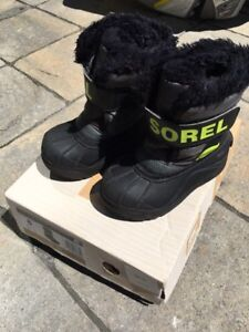 Kids size 8 Sorel winter boots.