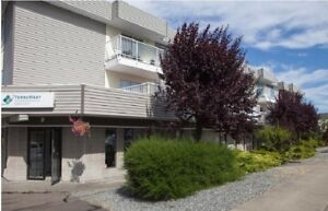 2 bdrm apartment Central Nanaimo, Large patio!