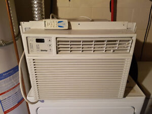 DANBY 10000 BTU WINDOW A/C UNIT WITH REMOTE CONTROL