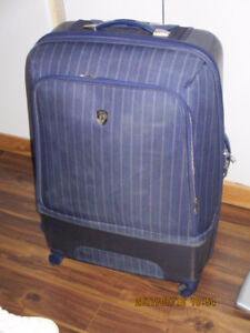 hard-shell stylish luggage max size allowed for airplanes