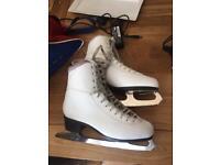 White figure skating ice skates size 6