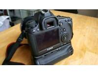 Canon 6D Wi-Fi + GPS with Grip and 5 batteries