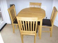 Dining Room Table Plus 4 Chairs Extending To 6 Seater As New.