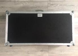 Large pedalboard flight case