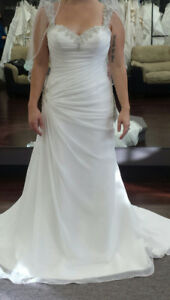 Never Worn Stella York Wedding Dress